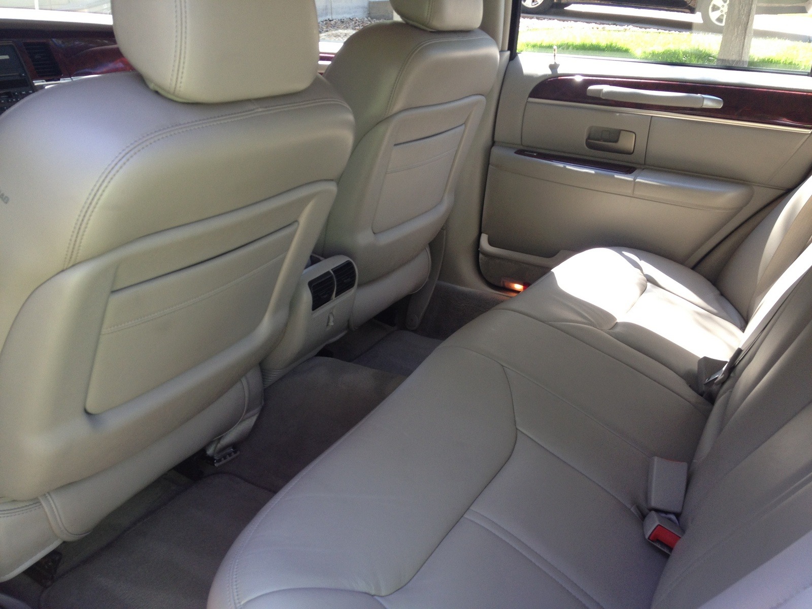 2003 lincoln town car interior pictures cargurus. Black Bedroom Furniture Sets. Home Design Ideas