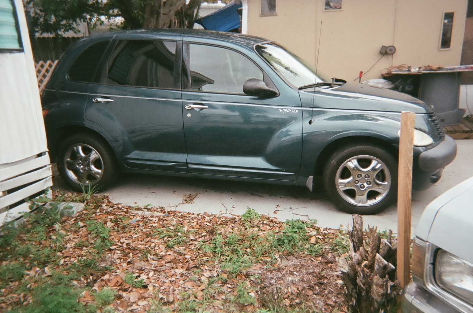 picture of 2001 chrysler pt cruiser base exterior. Cars Review. Best American Auto & Cars Review