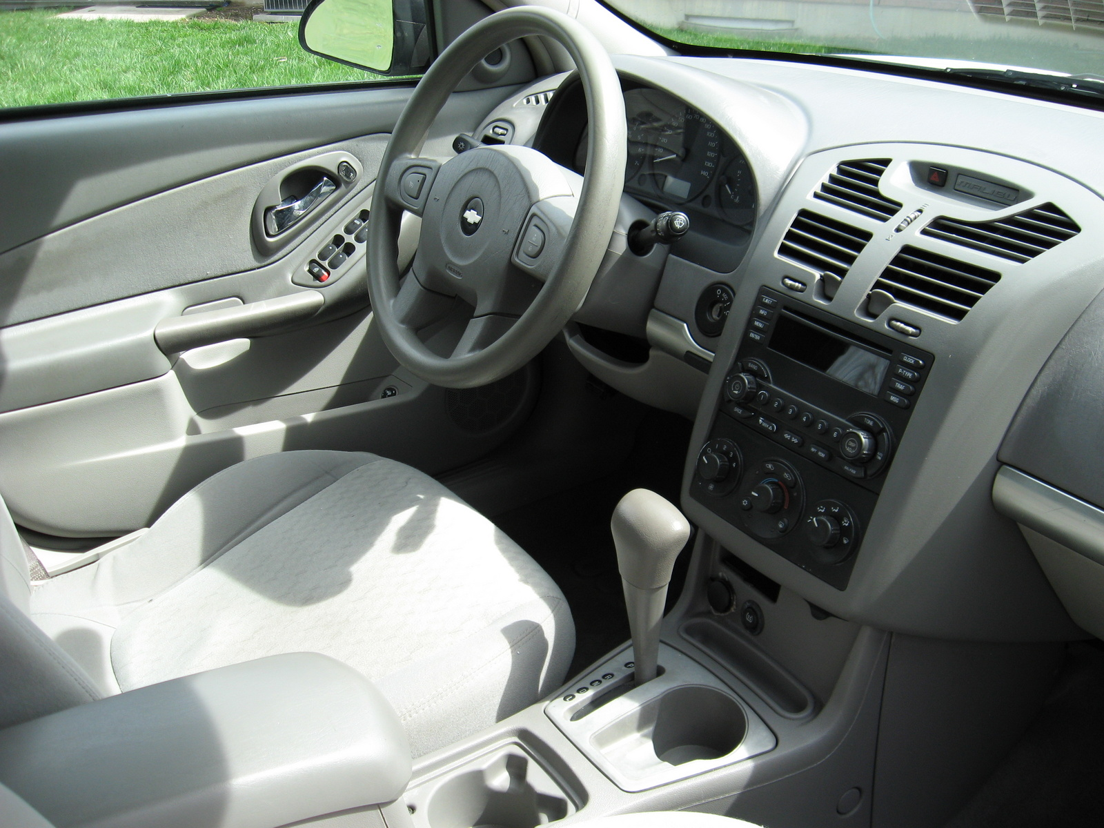 2005 chevrolet malibu - interior pictures