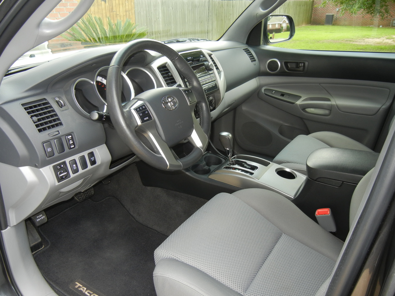 2012 toyota tacoma interior pictures cargurus. Black Bedroom Furniture Sets. Home Design Ideas