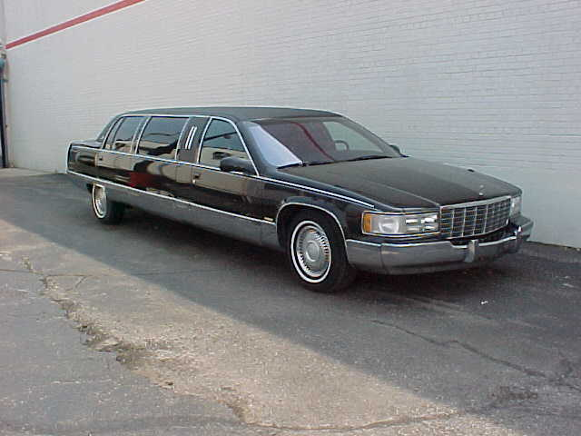 Picture of 1996 Cadillac Fleetwood