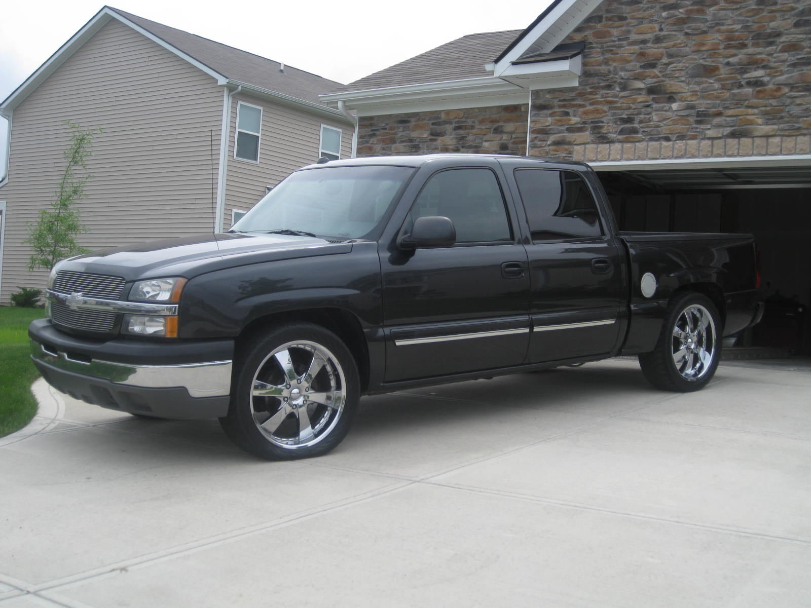 picture of 2004 chevrolet silverado 1500 ls crew cab 2wd exterior. Cars Review. Best American Auto & Cars Review