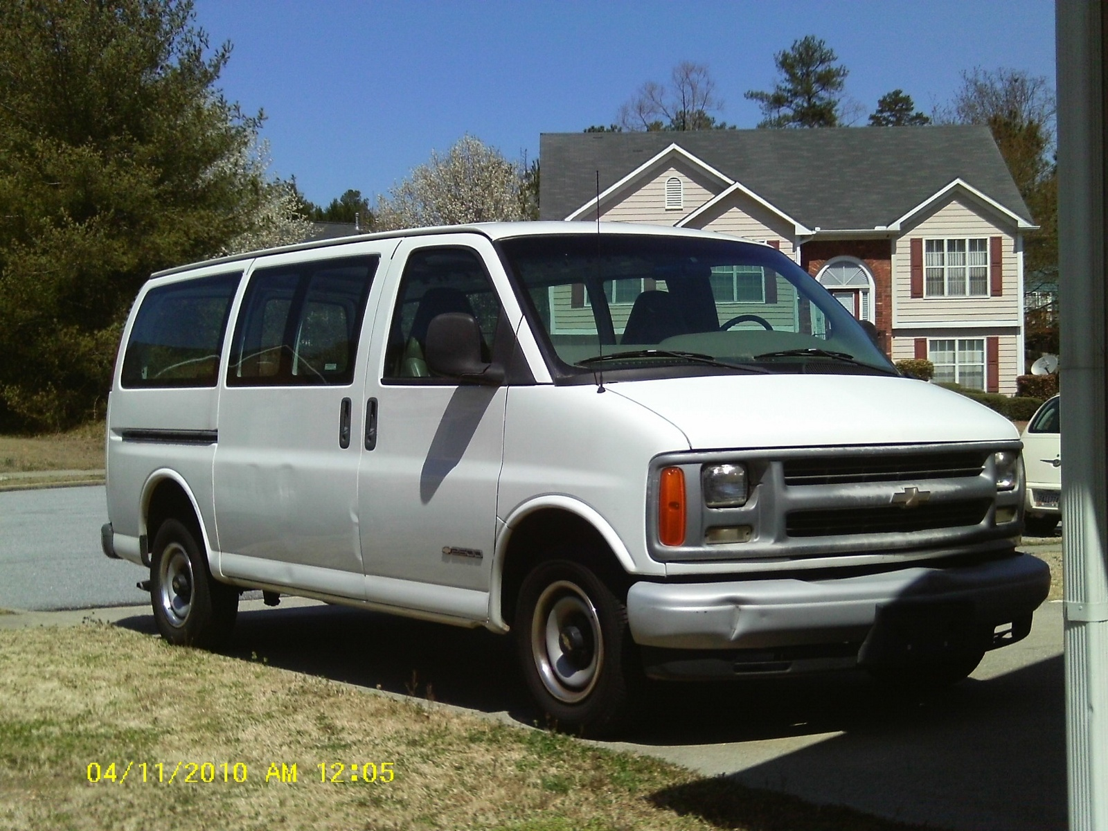 Picture of 2001 Chevrolet Express G2500 LS Passenger Van