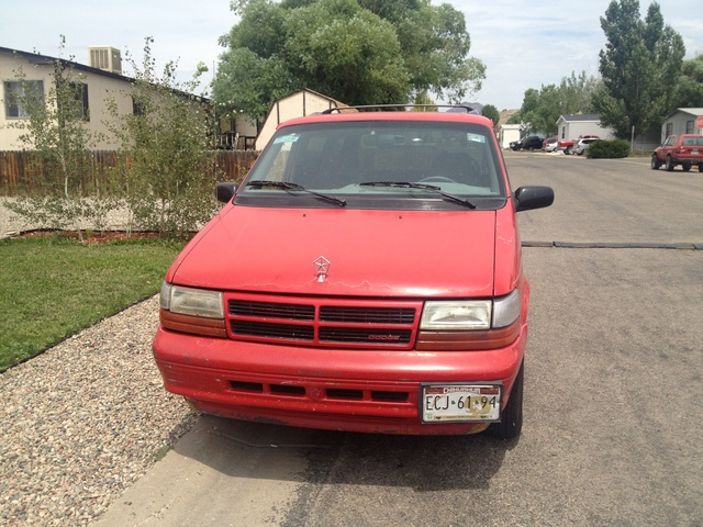 Picture of 1994 Chrysler Voyager