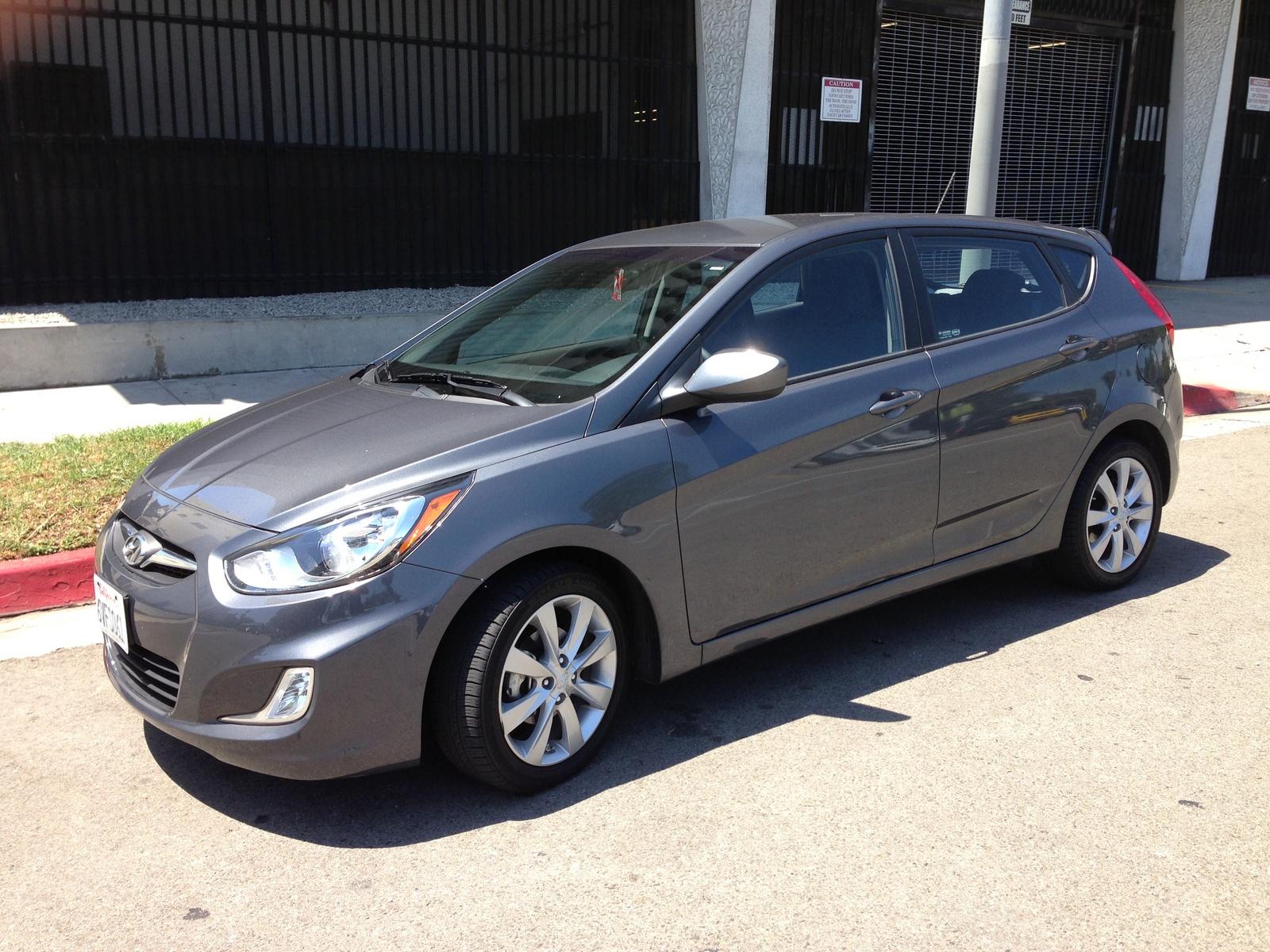 2012 Hyundai Accent Pictures Cargurus