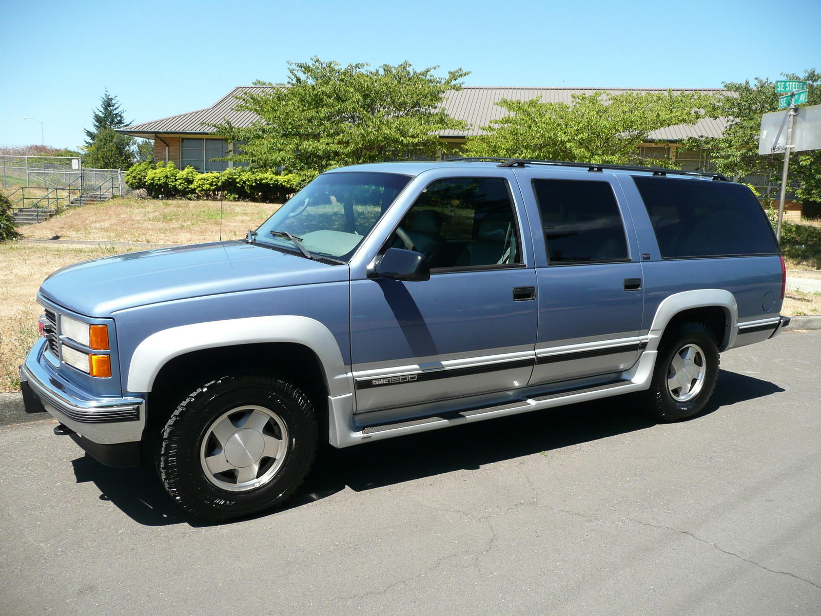 Gmc Yukon additionally Chevrolet Silverado in addition Gmc Int W likewise Gmc Suburban Dr K Wd Suv Pic besides Chevrolet Astro. on gmc suburban 5 7 1996 specs and images