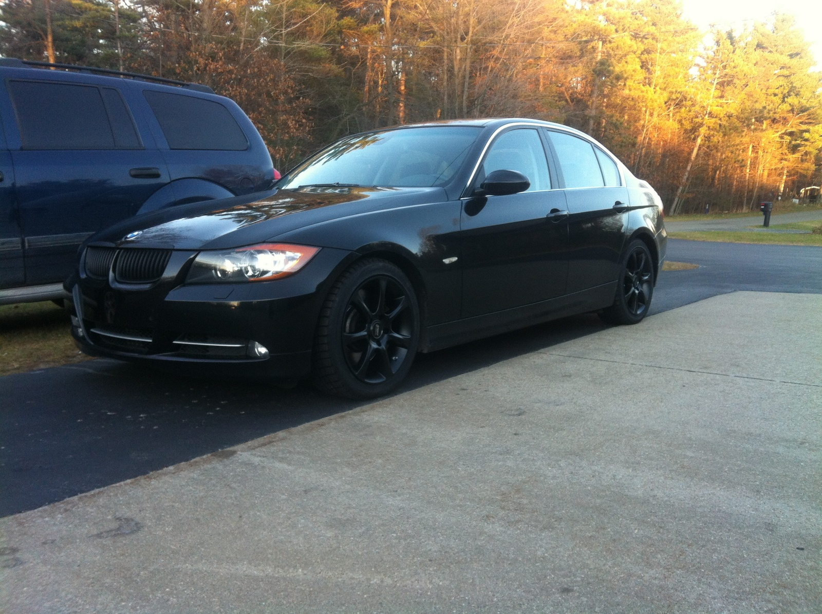 2007 bmw 3 series 335i with the snows on exterior. Black Bedroom Furniture Sets. Home Design Ideas