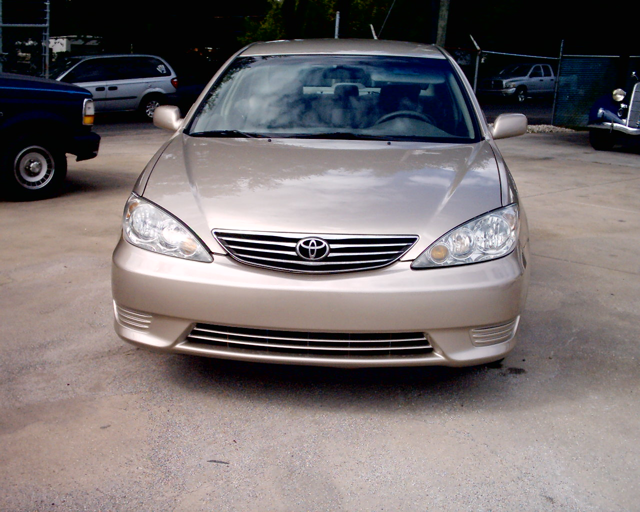 toyota camry 2006 price in uae car and driver toyota camry 2006 model gli toyota used cars in. Black Bedroom Furniture Sets. Home Design Ideas