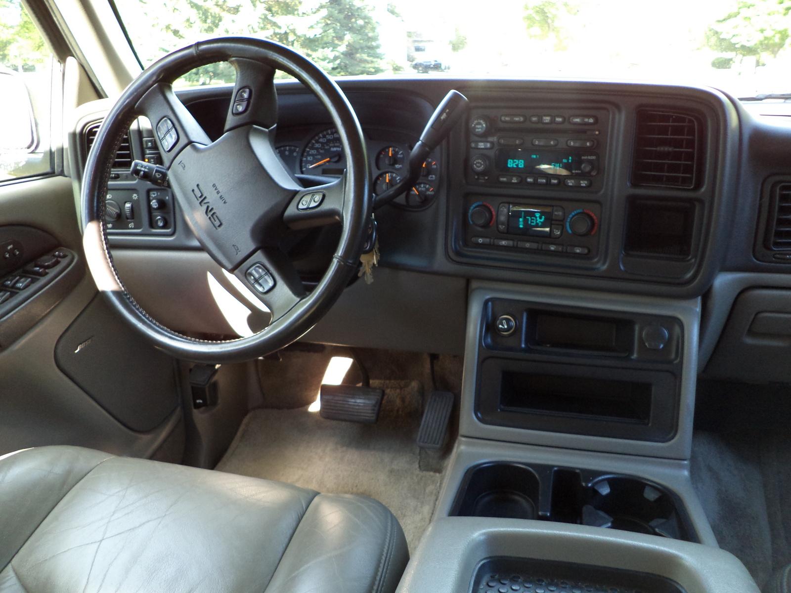 2003 GMC Yukon SLT Interior