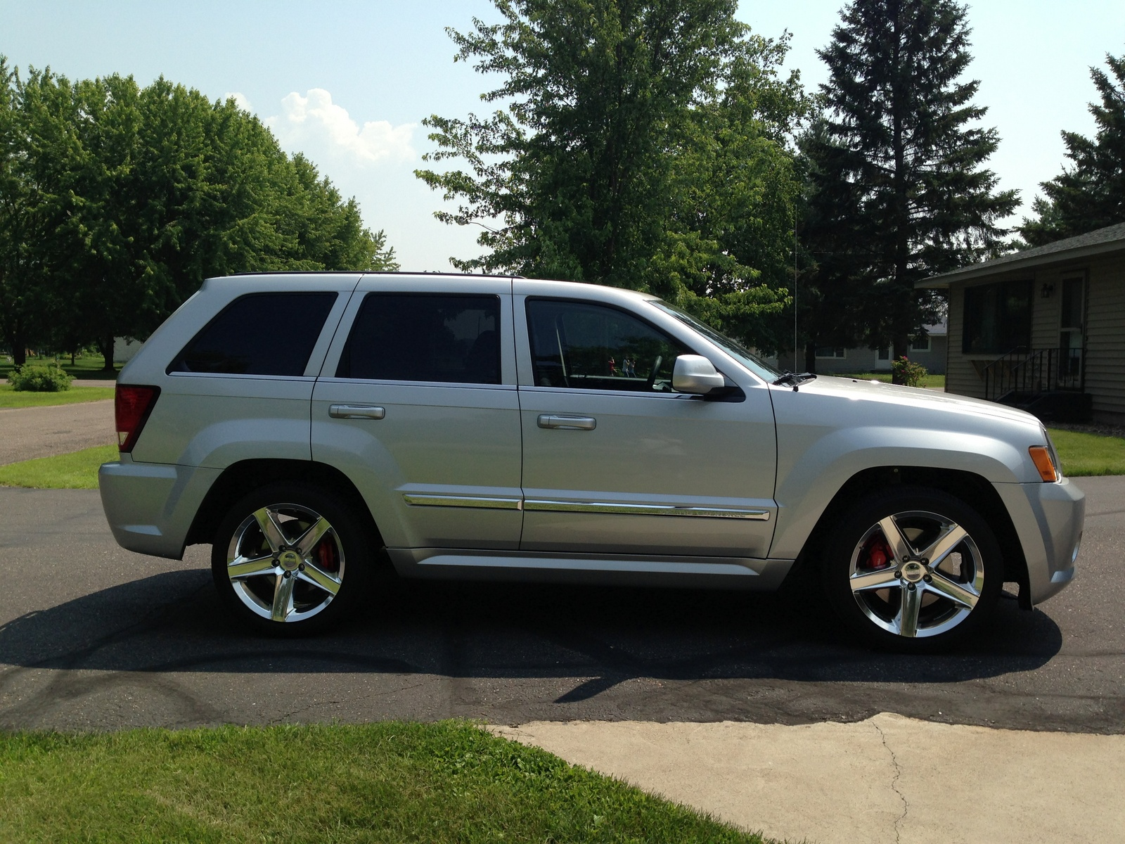 picture of 2010 jeep grand cherokee srt8 exterior. Cars Review. Best American Auto & Cars Review