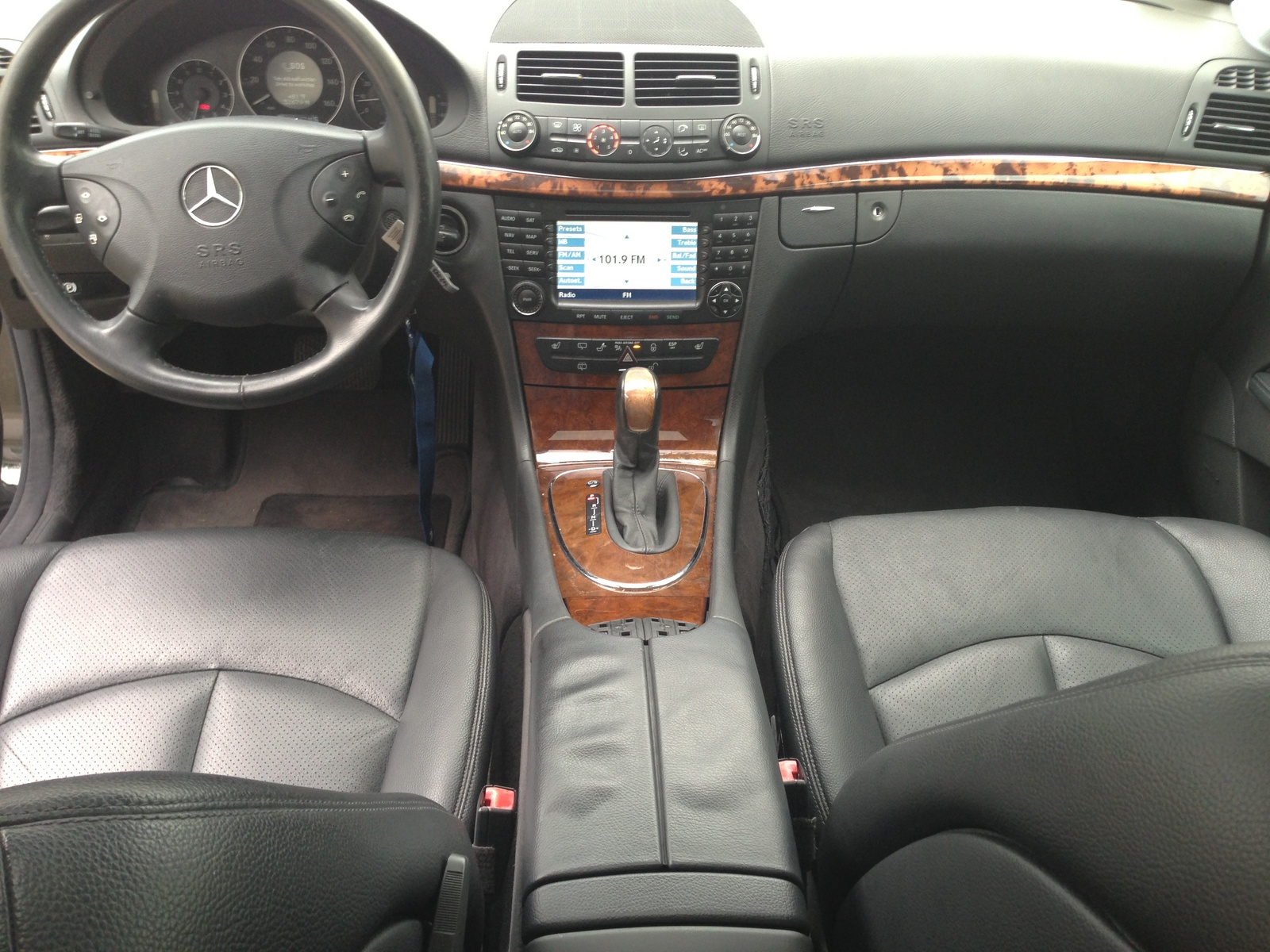 2005 mercedes benz e class pictures cargurus for Mercedes benz e class interior