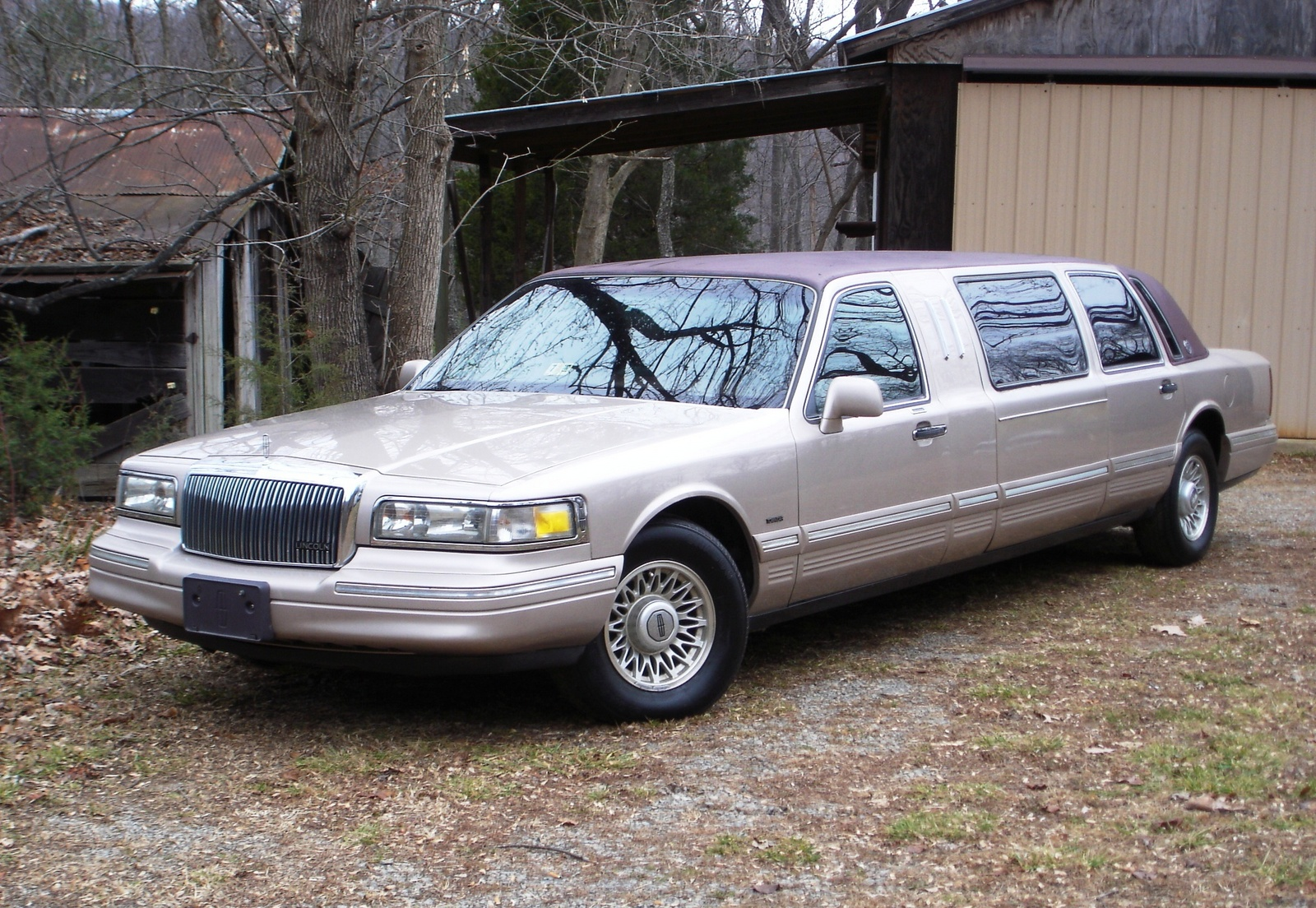 96 lincoln town car reviews related keywords 96 lincoln town car reviews long tail keywords. Black Bedroom Furniture Sets. Home Design Ideas