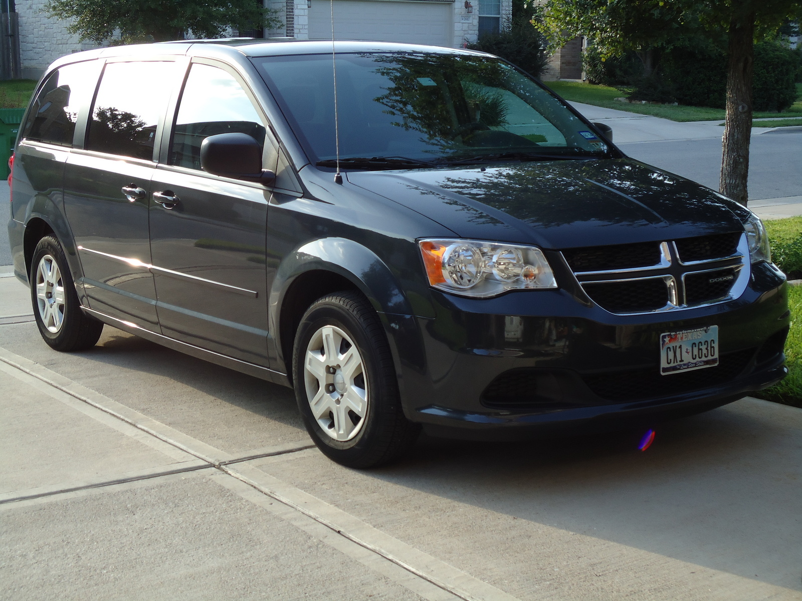picture of 2011 dodge grand caravan express exterior. Cars Review. Best American Auto & Cars Review