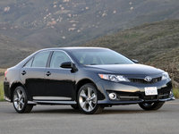 2013 Toyota Camry, Front-quarter view, lead_in, exterior