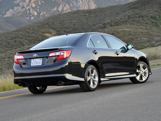 Picture of 2013 Toyota Camry, exterior, gallery_worthy