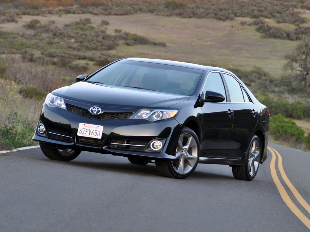 2013 toyota camry pictures cargurus. Black Bedroom Furniture Sets. Home Design Ideas