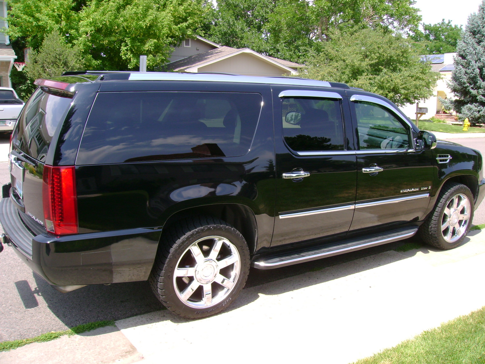 picture of 2007 cadillac escalade esv v8 awd exterior. Cars Review. Best American Auto & Cars Review