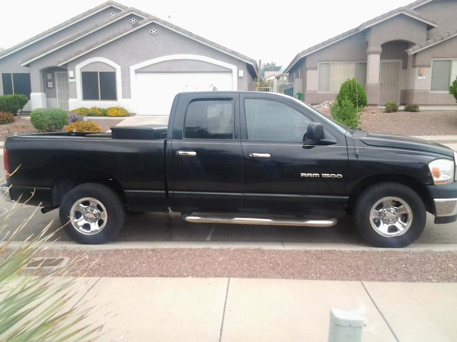 picture of 2006 dodge ram pickup 1500 st quad cab sb exterior. Black Bedroom Furniture Sets. Home Design Ideas