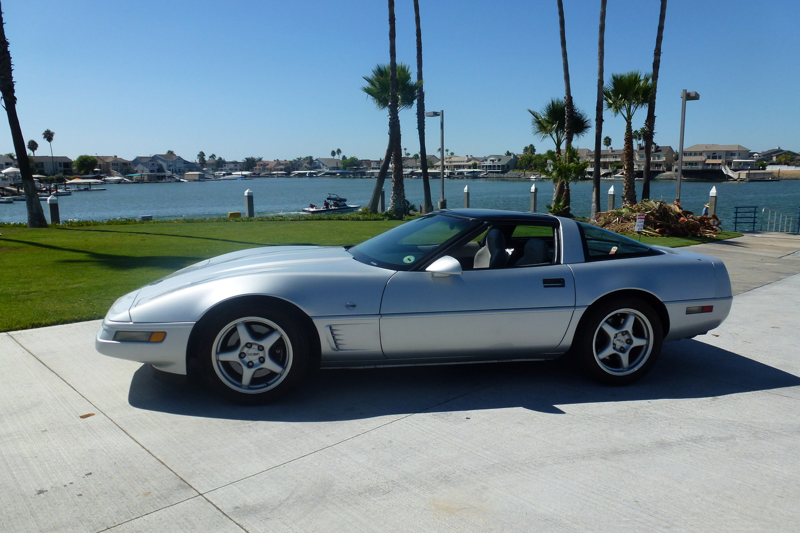 used 1996 chevrolet corvette pricing features edmunds. Black Bedroom Furniture Sets. Home Design Ideas