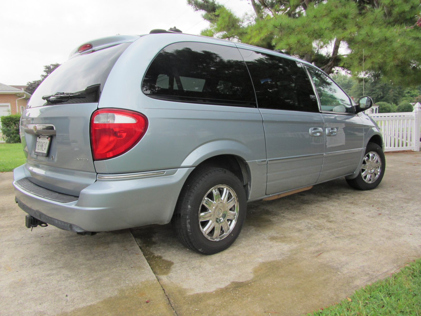 picture of 2006 chrysler town country limited exterior. Cars Review. Best American Auto & Cars Review