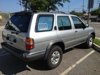 1999 Nissan Pathfinder Overview