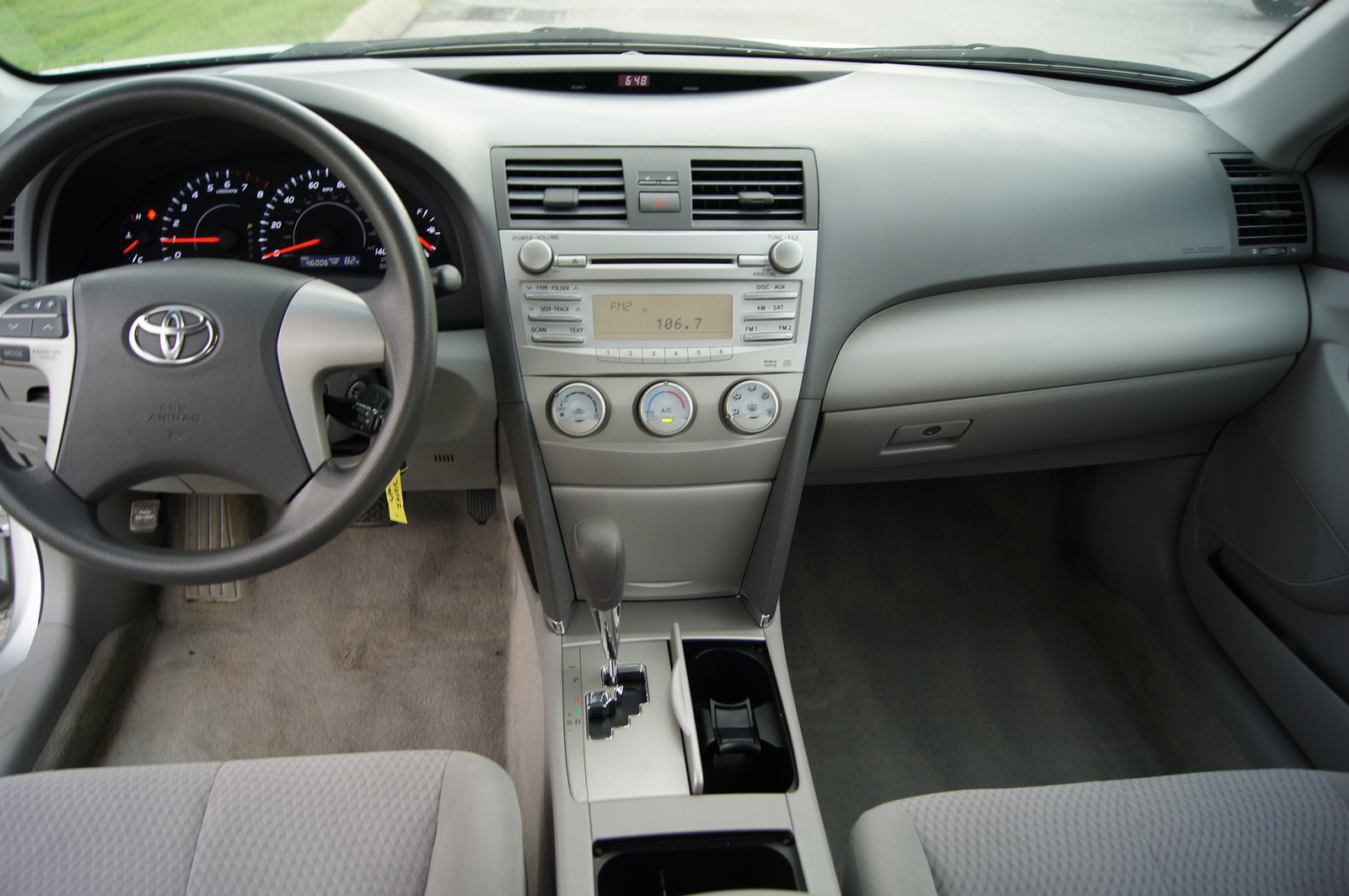 2010 toyota camry interior pictures cargurus. Black Bedroom Furniture Sets. Home Design Ideas