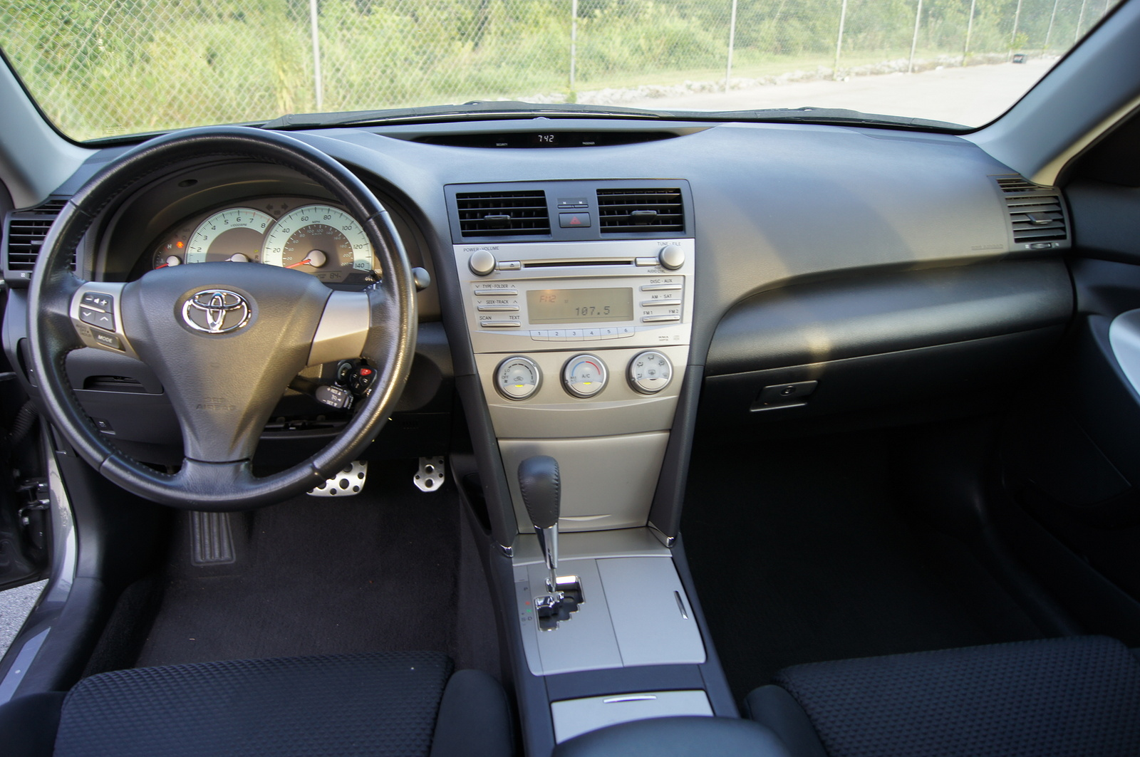 2011 Toyota Camry - Pictures