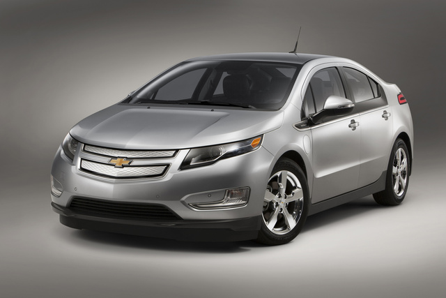 2014 Chevrolet Volt, Front-quarter view, exterior, manufacturer, gallery_worthy