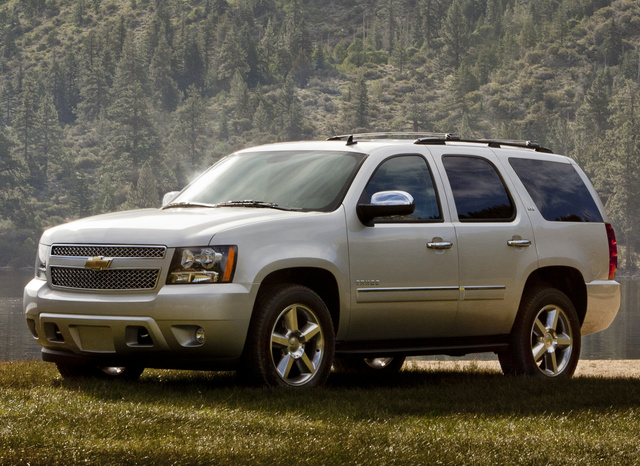 2014 Chevrolet Tahoe, Front-quarter view. Copyright General Motors, exterior, manufacturer