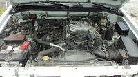 Picture of 2000 Nissan Pathfinder SE Limited, engine