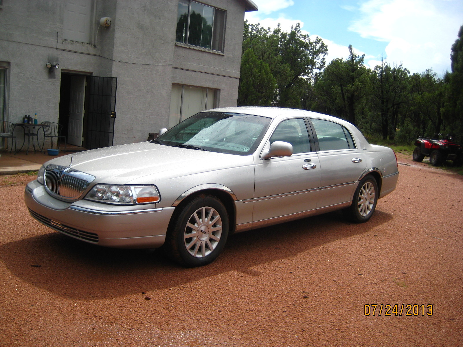 Lincoln Town Car Questions - How do I send this car listing to ...