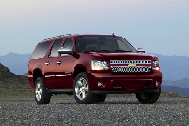 2014 Chevrolet Suburban, Front-quarter view. Copyright General Motors, exterior, manufacturer