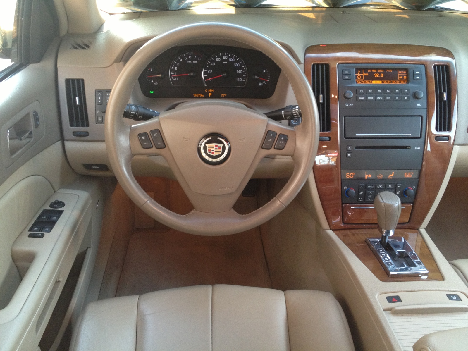 2005 Cadillac Sts Interior Pictures Cargurus