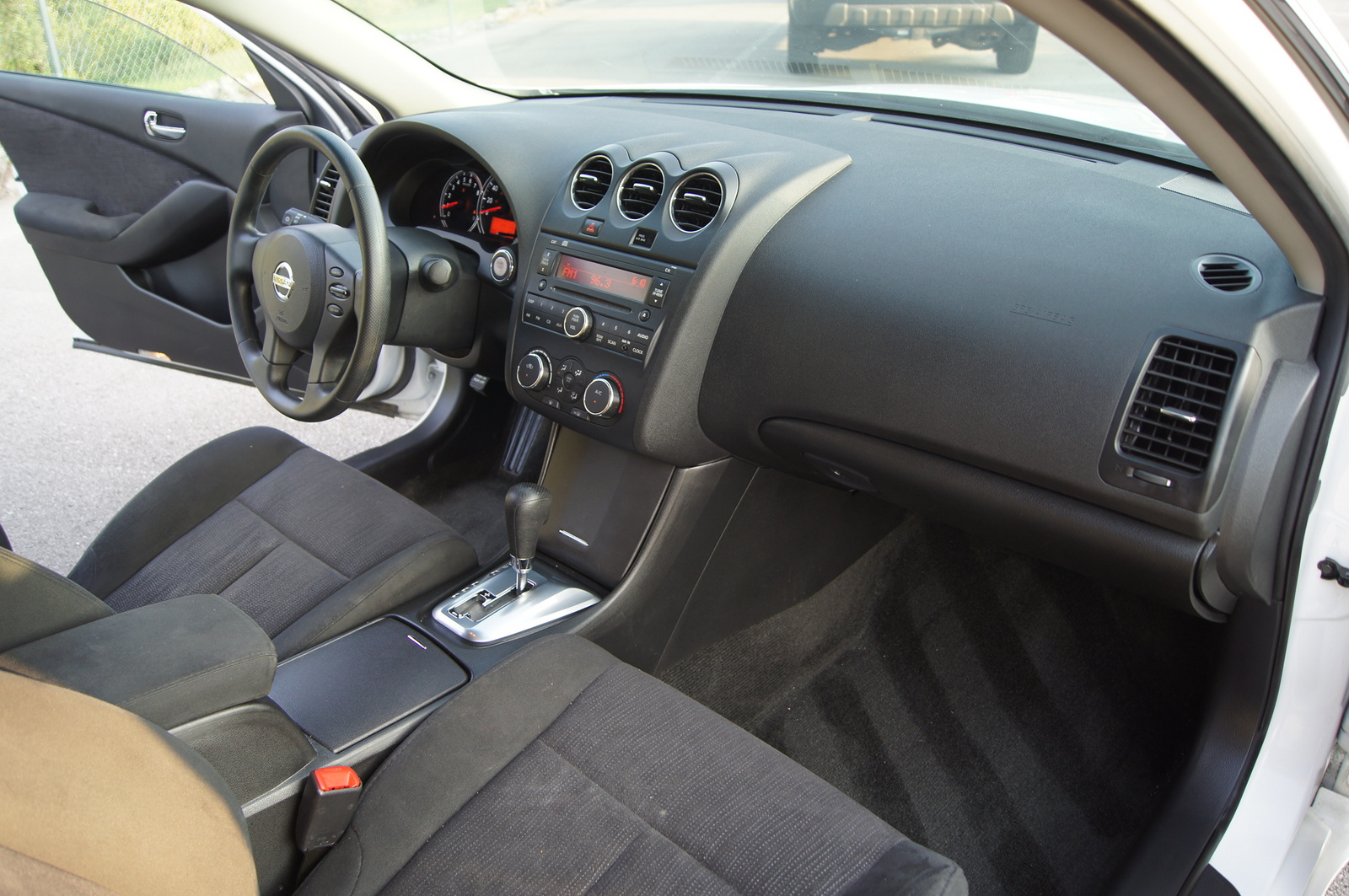 1997 nissan maxima accessories with 2012 Nissan Altima Pictures C22935 Pi36359028 on 2006 Z4 roadster likewise 2012 Nissan Altima Pictures C22935 pi36359028 likewise Altima additionally 2137703633689504203 besides 2012 Tiguan.