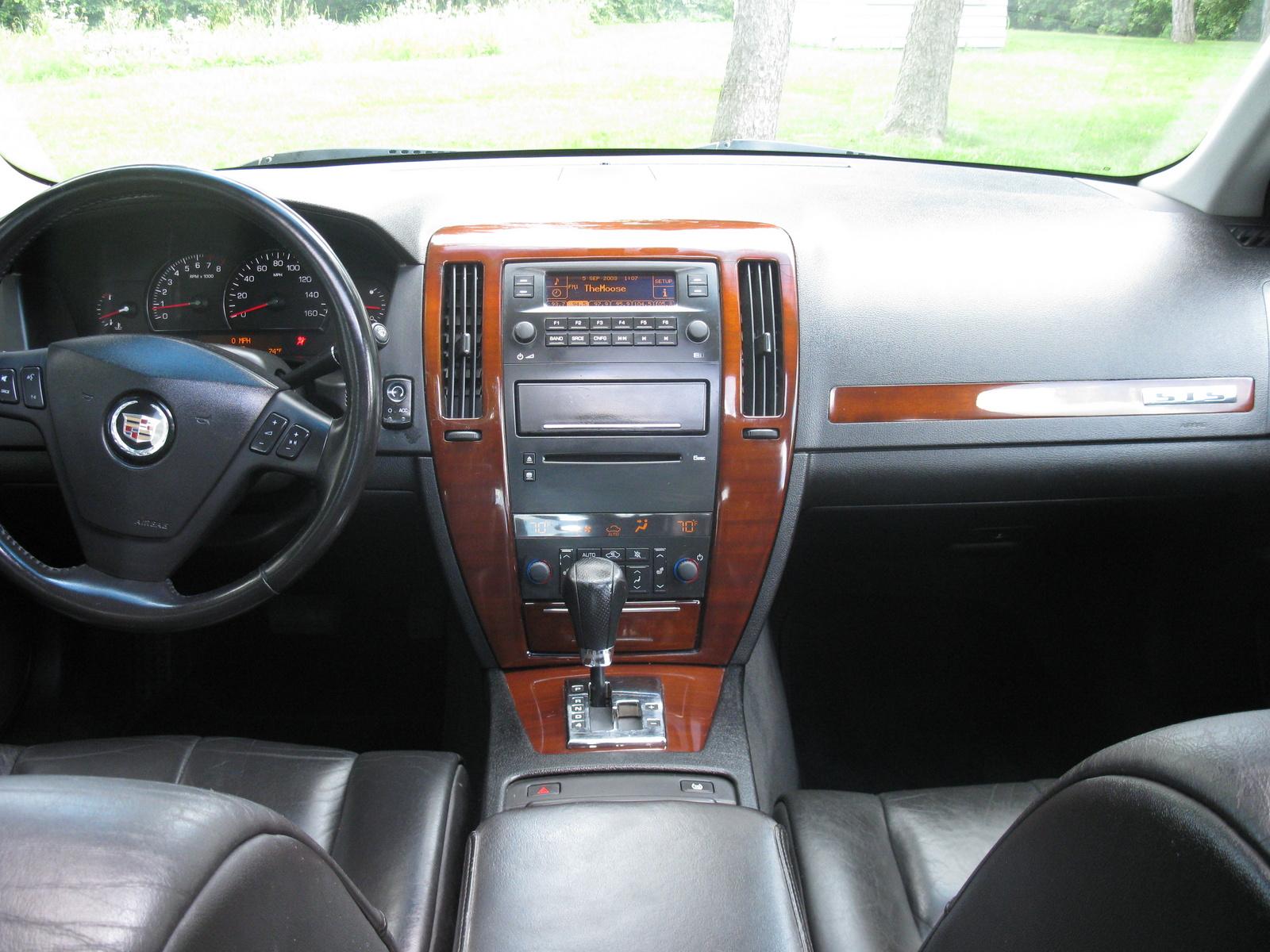 Cadillac Sts V Pic