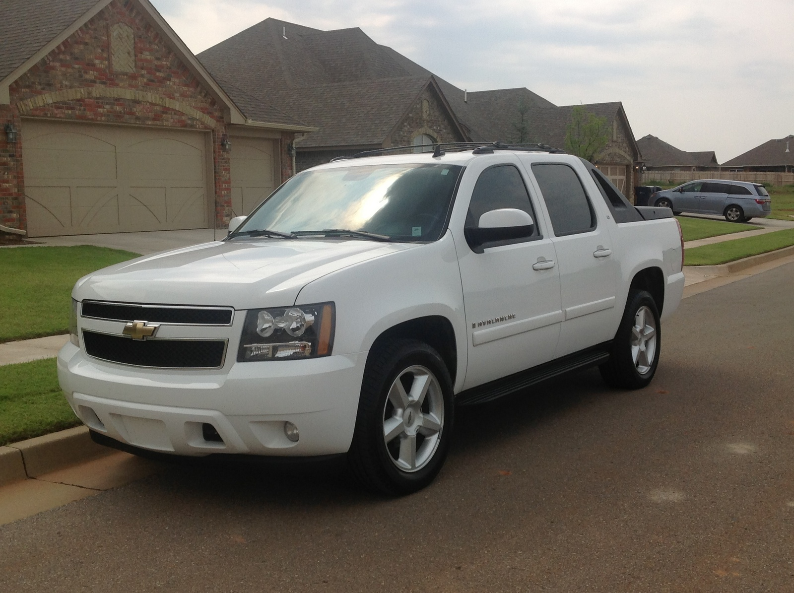 2008 chevrolet avalanche pictures cargurus. Black Bedroom Furniture Sets. Home Design Ideas