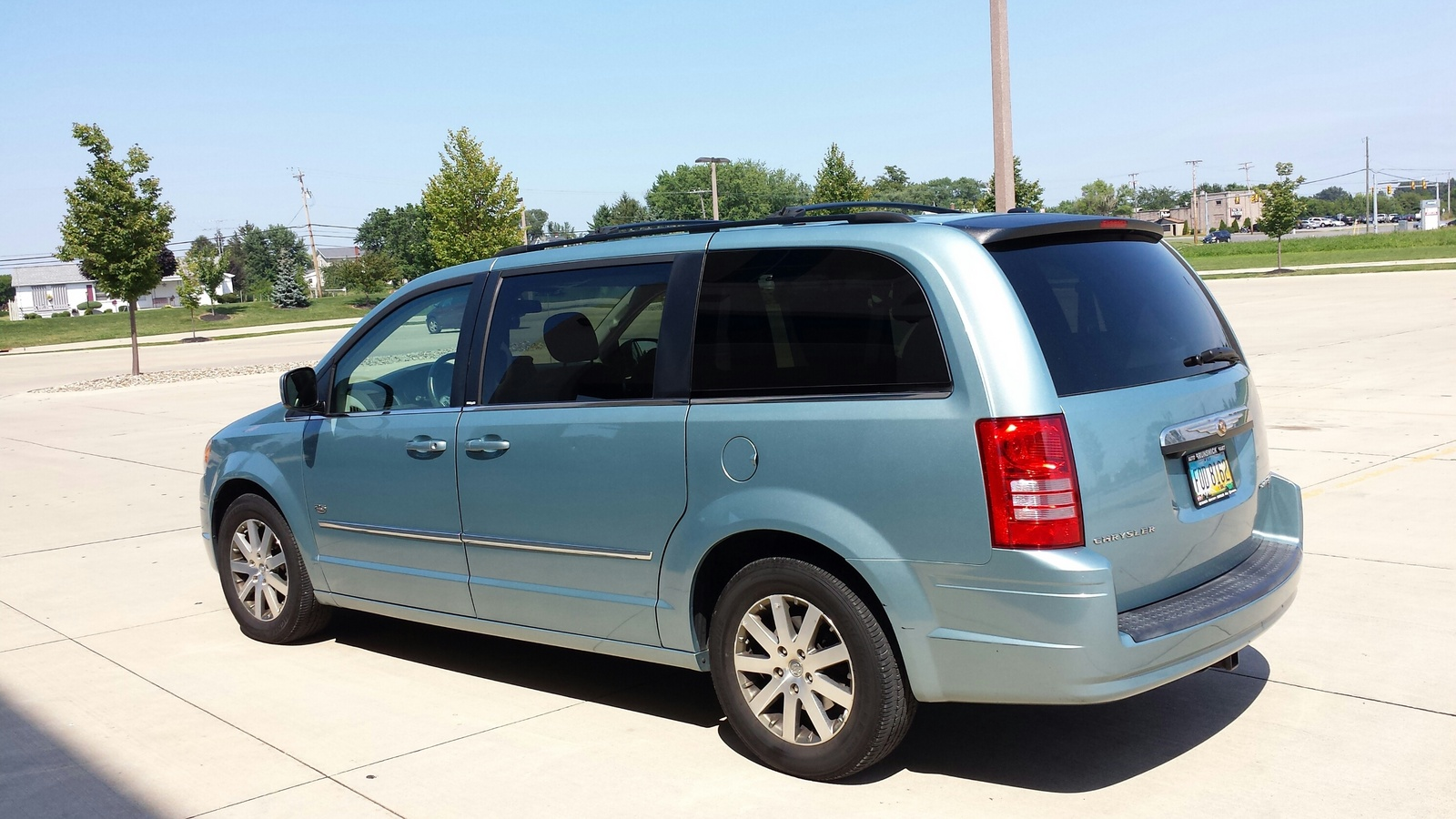 2009 Chrysler Town Amp Country Pictures Cargurus