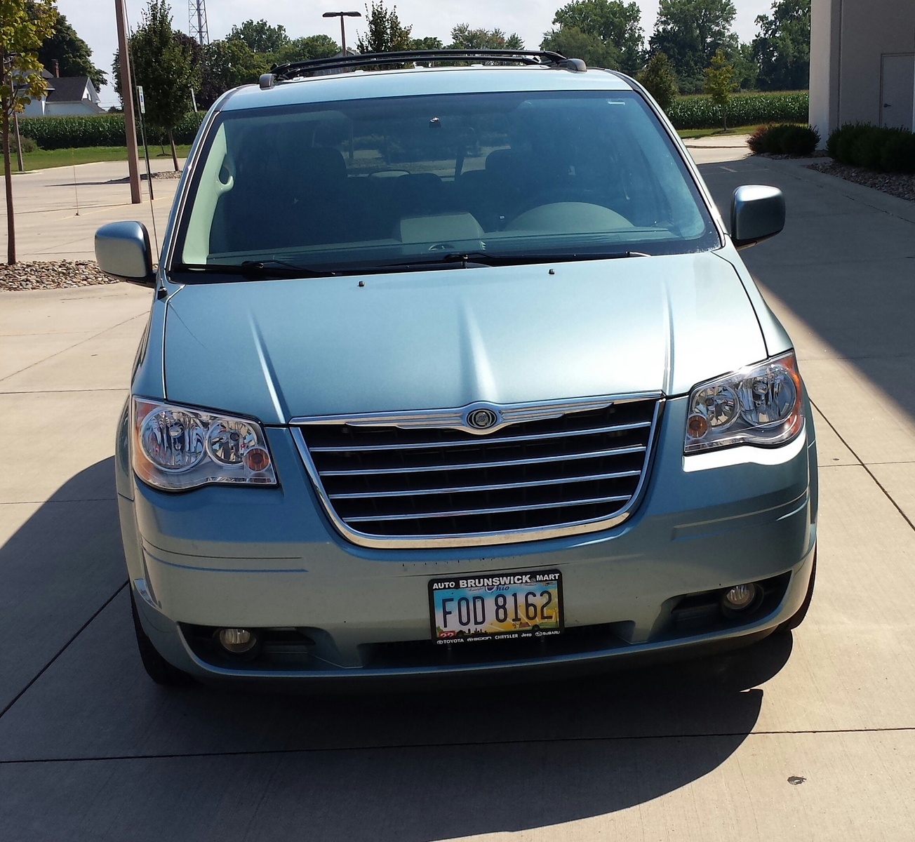 picture of 2009 chrysler town country touring exterior. Cars Review. Best American Auto & Cars Review