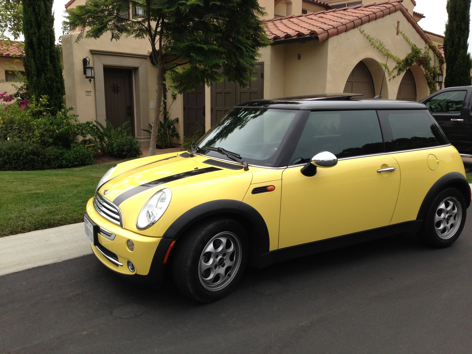 picture of 2005 mini cooper hatchback exterior. Black Bedroom Furniture Sets. Home Design Ideas