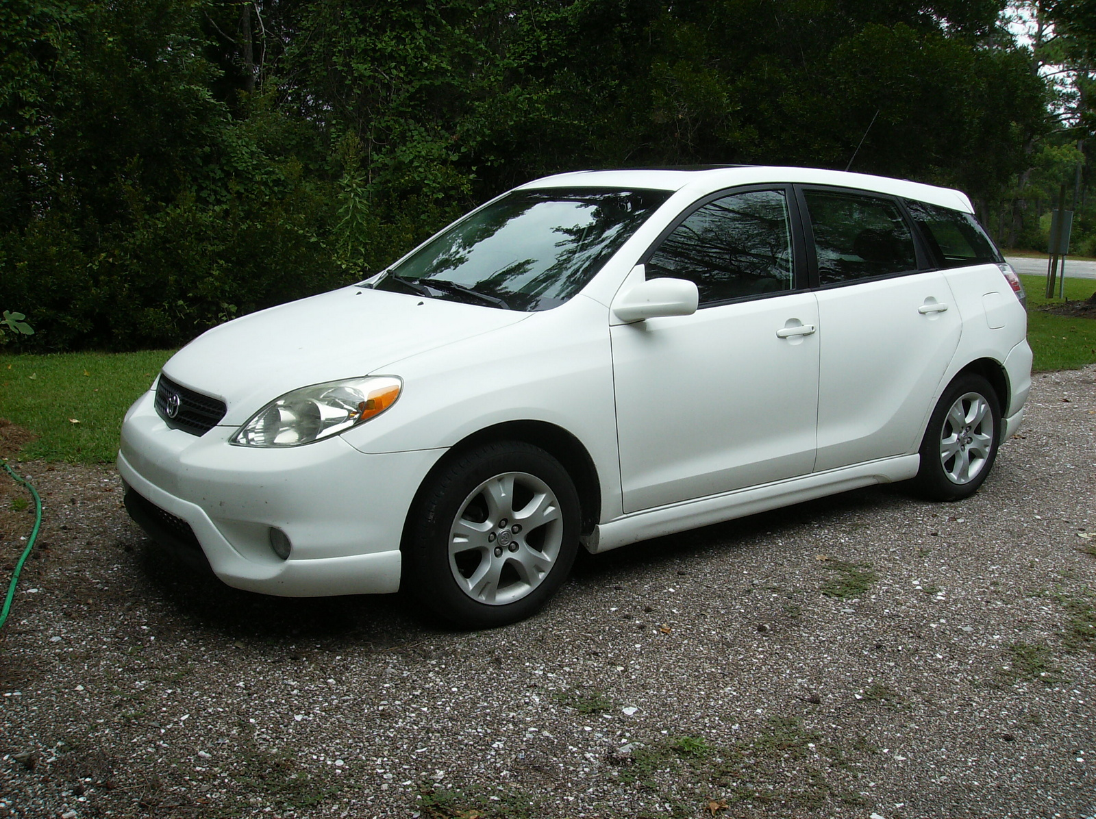 2010 toyota matrix reviews ratings yahoo autos autos post. Black Bedroom Furniture Sets. Home Design Ideas