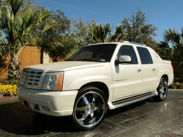 2004 cadillac escalade changes. Black Bedroom Furniture Sets. Home Design Ideas