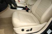 Picture of 2012 Volkswagen Passat SE w/ Sunroof, interior