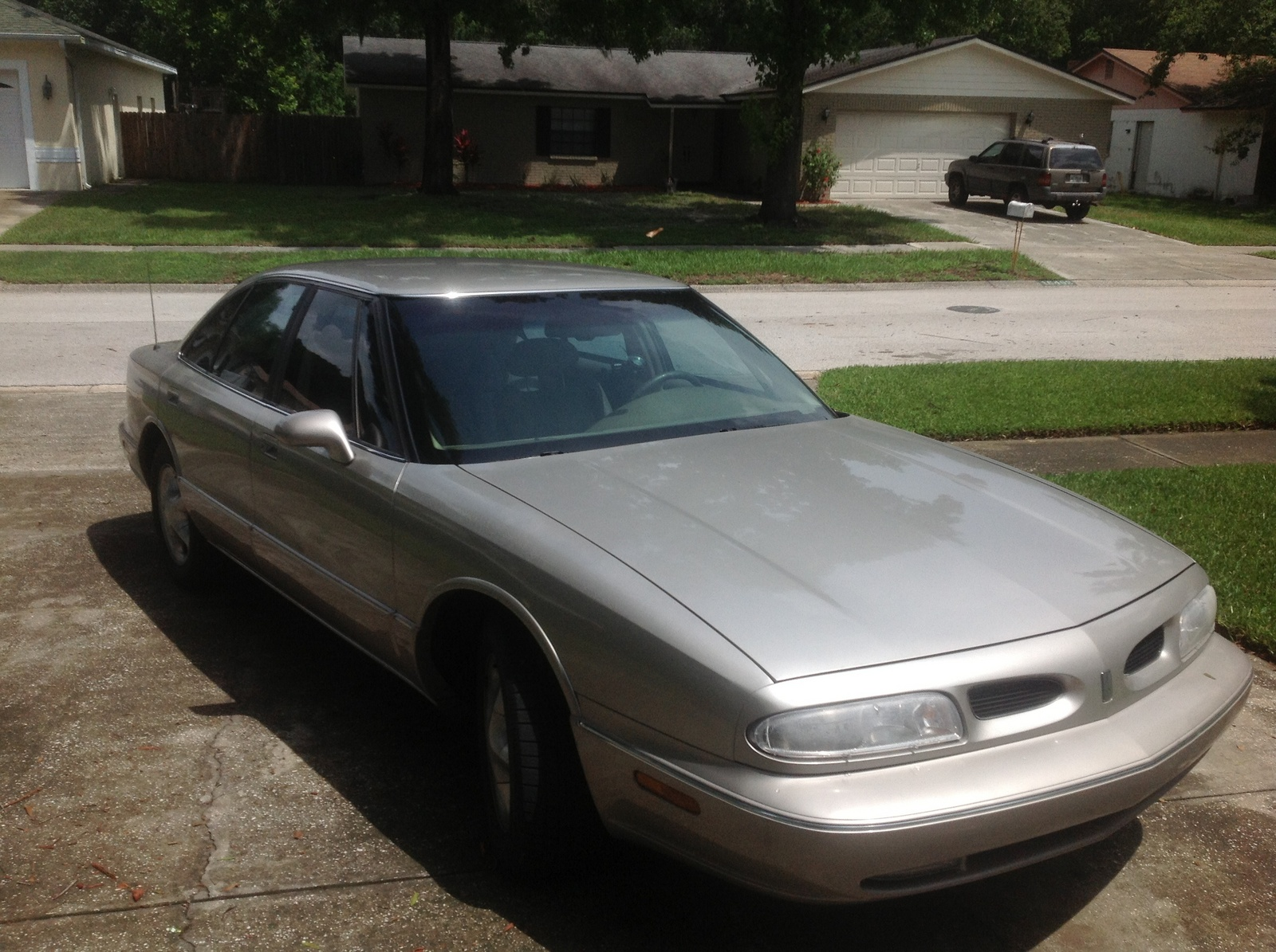 1996 Oldsmobile Eighty-Eight 4 Dr LSS Supercharged Sedan picture