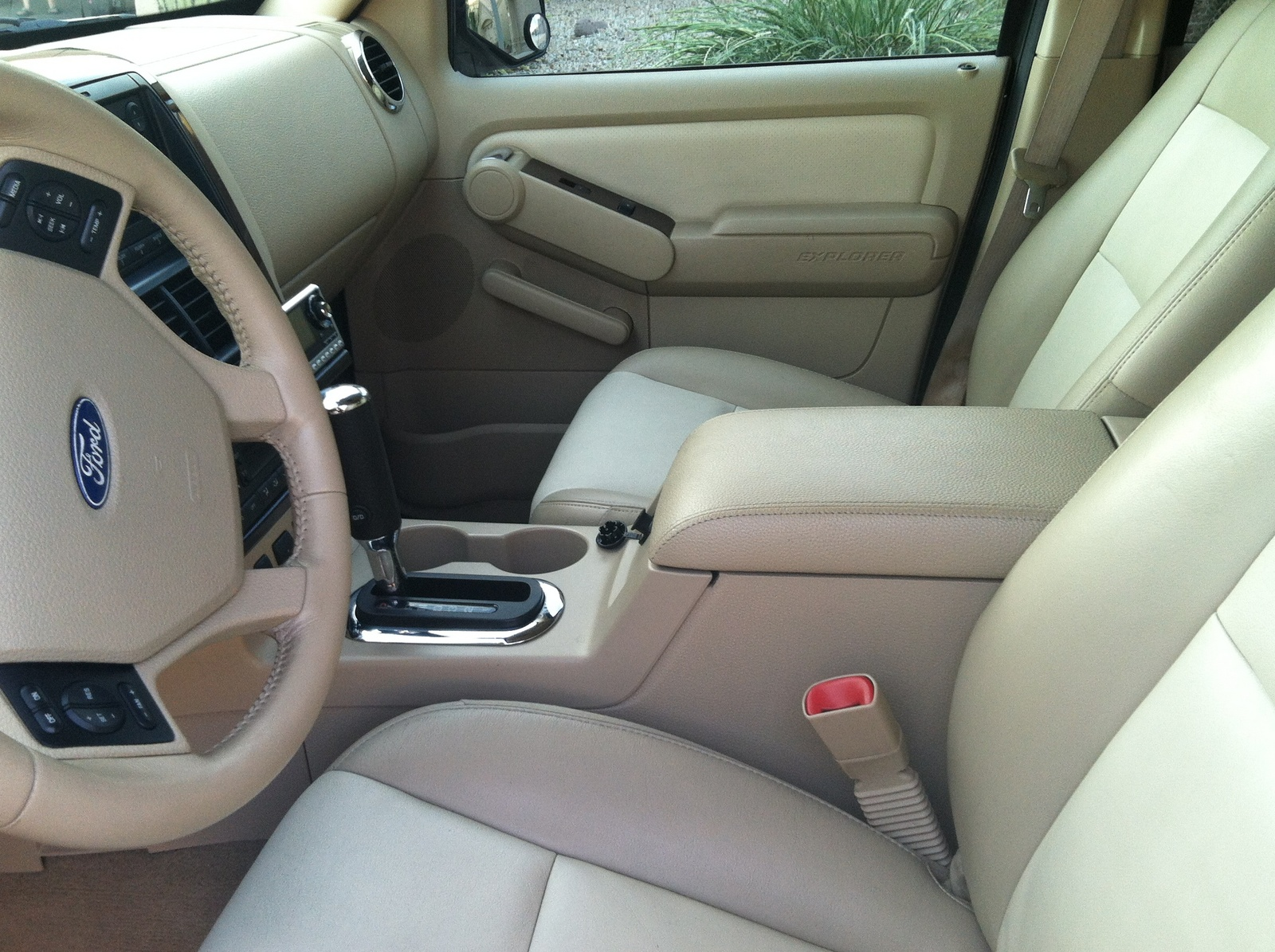 picture of 2006 ford explorer limited v8 interior