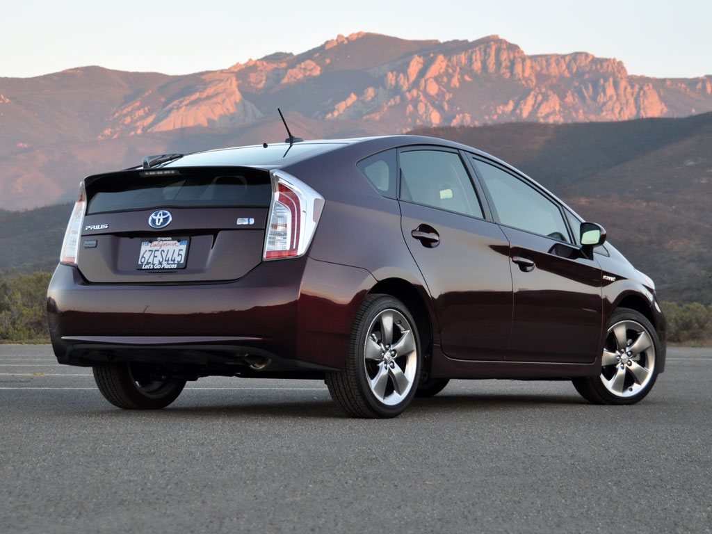 2013 toyota prius test drive review cargurus. Black Bedroom Furniture Sets. Home Design Ideas