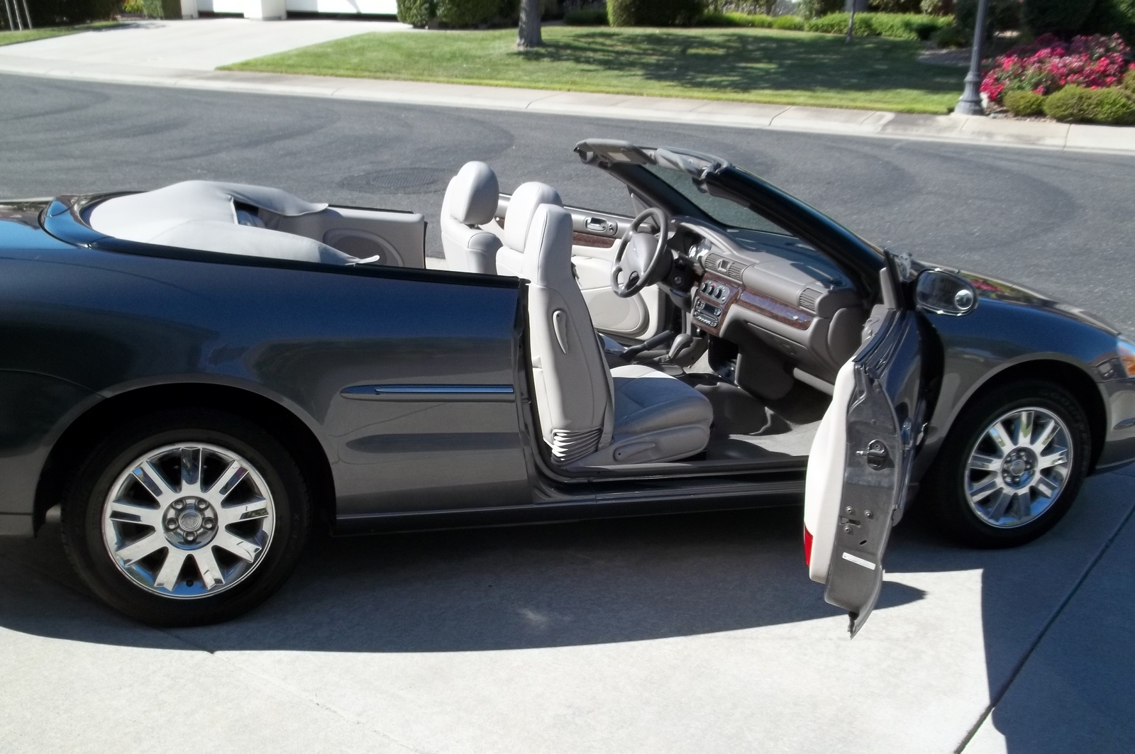 picture of 2004 chrysler sebring limited convertible exterior. Cars Review. Best American Auto & Cars Review