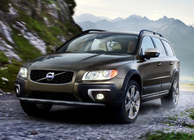 2014 Volvo XC70, Front-quarter view, exterior, manufacturer