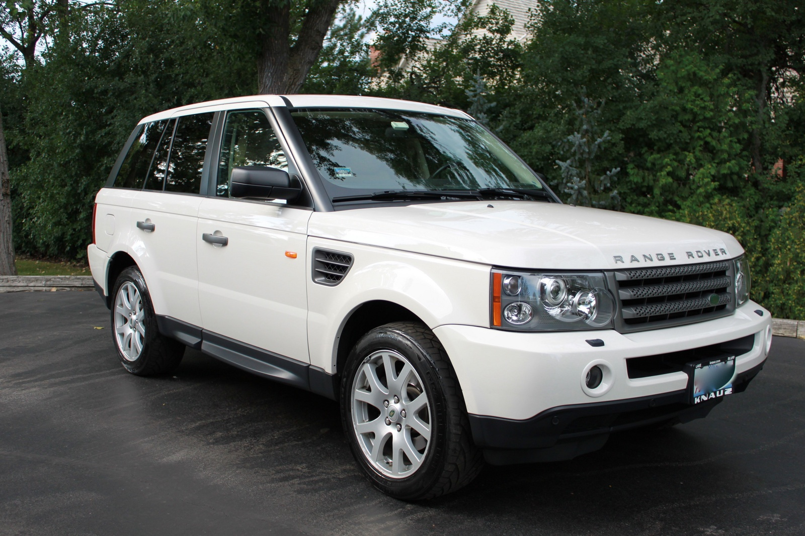 service manual how to change 2008 land rover range rover knuckle bushing first drive 2008. Black Bedroom Furniture Sets. Home Design Ideas