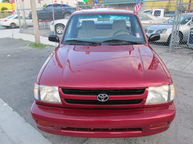 Picture of 1998 Toyota Tacoma