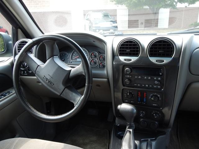 2004 GMC Envoy - Interior Pictures - CarGurus